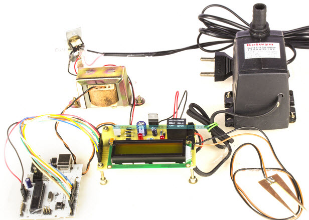 The Temperature Humidity Monitoring System of Soil Based on Wireless Sensor Networks using Arduino Project by Efxkits.com